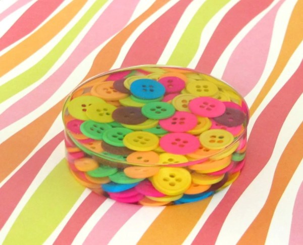 button resin paperweight