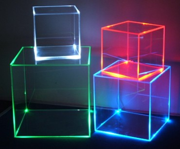 https://i0.wp.com/www.resistors-and-diodes-and-picchips-oh-my.co.uk/wp-content/uploads/2010/11/Led_Display_box_Retail_light_cube_exhibition_stand_showcase_shop_acrylic_plexiglas_perspex_lightbox_Visual_merchandising.jpg