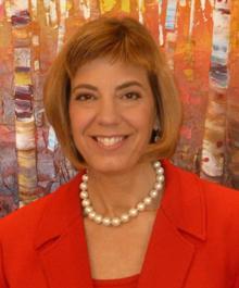 Jennifer Laszlo Mizrahi headshot