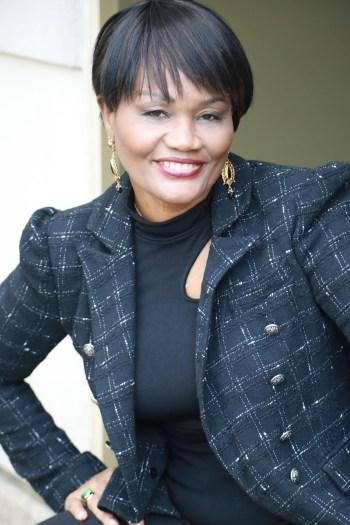 Dr. Nelle Richardson headshot smiling