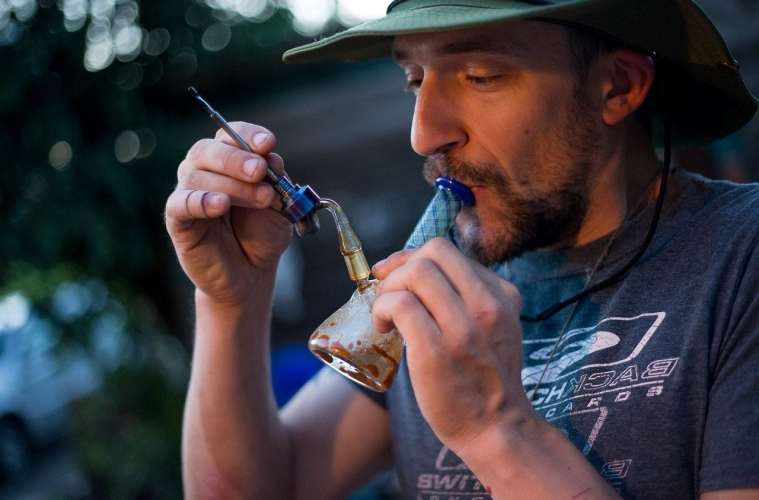 Low Temp Dabbing Crucial For Taste and Safety: Are You Doing It?