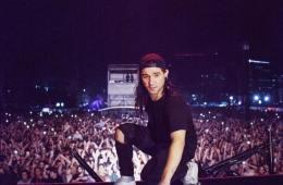 "Skrillex Drops Lackluster Remix of ""Sicko Mode,"" Surprises Fans"