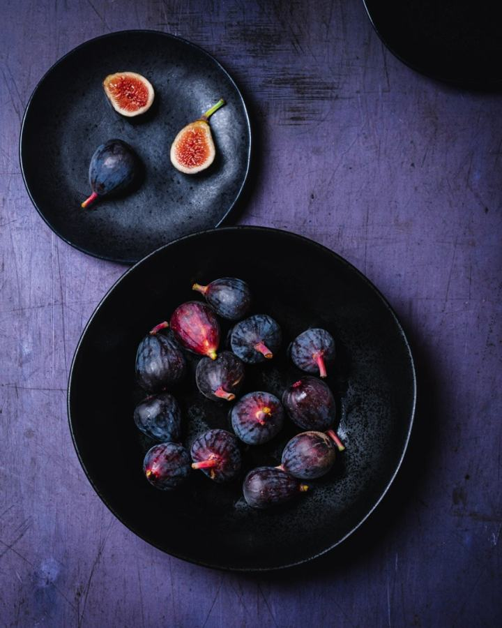 fresh figs on two plates