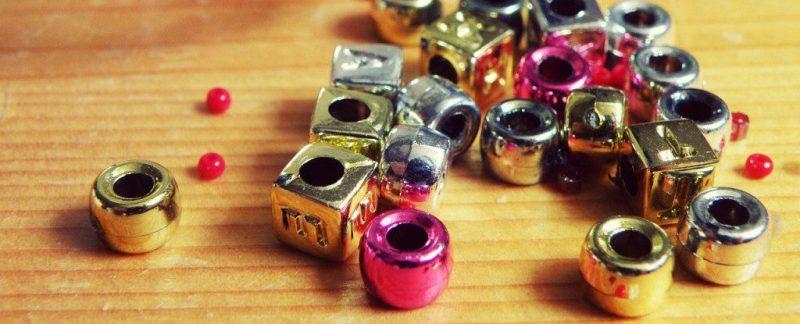 beads-702250_1280-1024x768