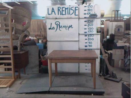 table cuisine la remise ressourcerie en combrailles
