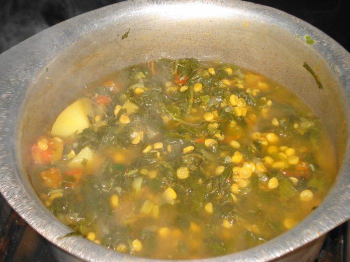 Sindhi Sai Bhaji During Cooking