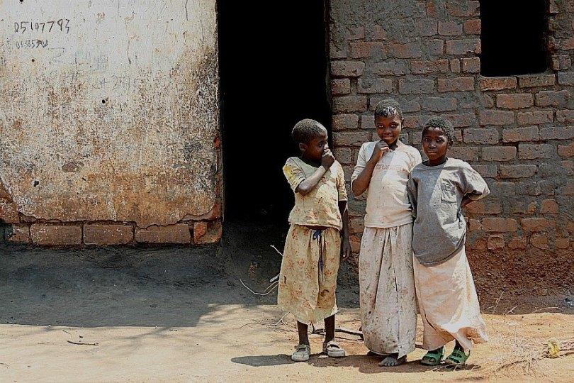Young girls in Lilongwe