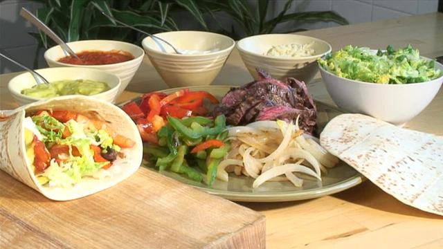 Cum se prepara Texas Skirt Steak Fajitas (video)