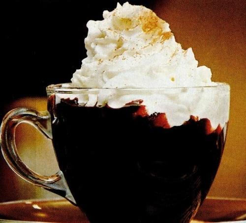 Ciocolata calda cu frisca