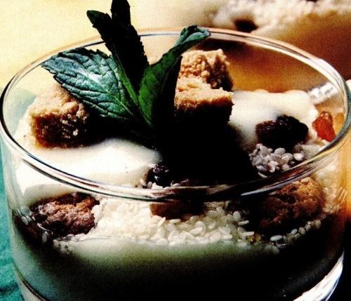 Cremă de tapioca cu stafide