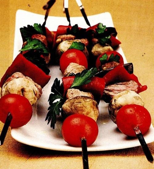 Frigărui de porc cu legume
