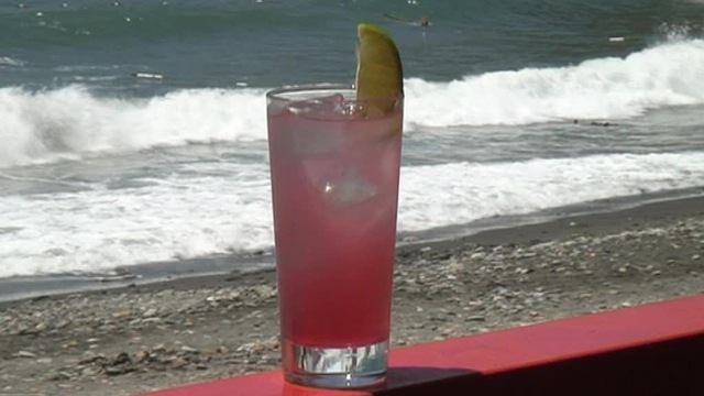 Cum se prepara Cocktail Seabreeze (video)
