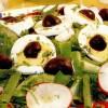 Salată de spanac cu ouă şi măsline
