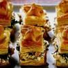 Pateuri rafinate cu file de păstrăv afumat si gorgonzola