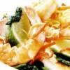 Salată de fructe de mare si somon afumat