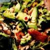 Salată de pui cu avocado si muguri de pin