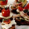 Sandviciuri cu roşii si cas