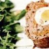 Rulada de carne cu oua si rozmarin