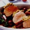 File de porc cu verdeaţă in sos de cireşe şi vin