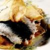 Sardele marinate la grătar cu piure de fenicul şi cartofi prăjiţi