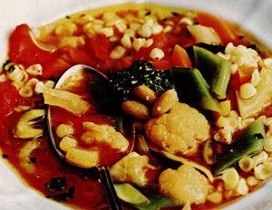 Supa Minestrone cu fasole si paste scoici