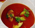 Supa de rosii cu avocado si ardei iute