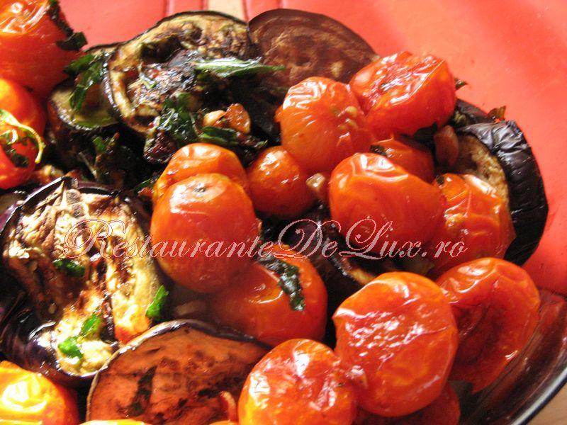 Reteta zilei: Vinete la grătar, marinate cu busuioc