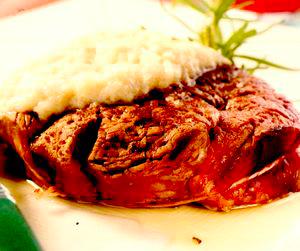 Muşchi de vită cu sos de hrean
