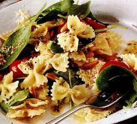 Salata mediteraneeana cu paste