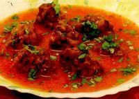 Chiftele de telină în sos de roşii