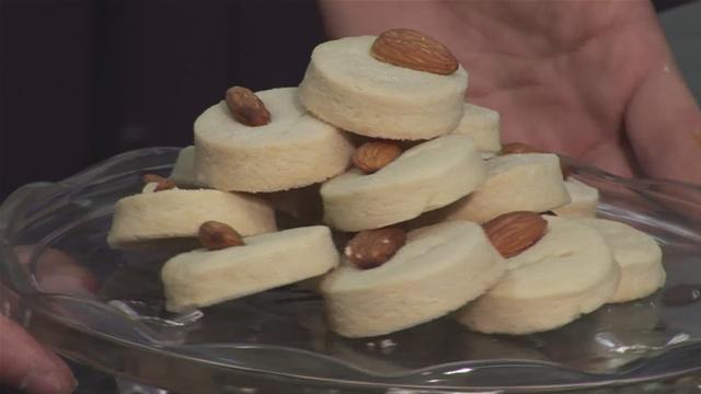 Cum se prepara Prajiturele cu migdale (video)