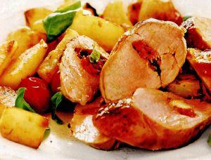 File de porc cu garnitură de cartofi la cuptor