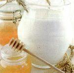 Lapte cu miere si nuci