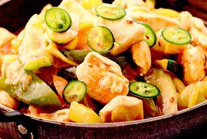 Pui dulce-acrisor preparat în stil chinezesc