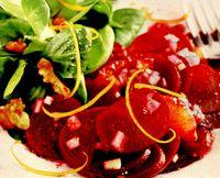 Salată de sfeclă roşie cu coaja de portocala