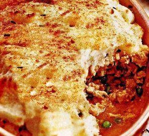 Sufleu cu piure de cartofi şi carne tocată