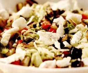 Salată cu mozzarella si ardei gras