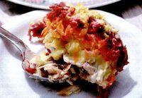 Salată de cartofi şi sfeclă roşie cu peşte (Shuba)