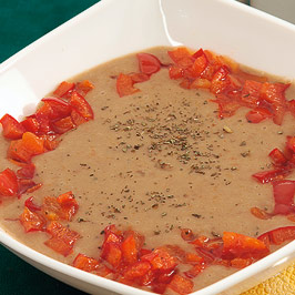 Supă-cremă de fasole boabe cu busuioc