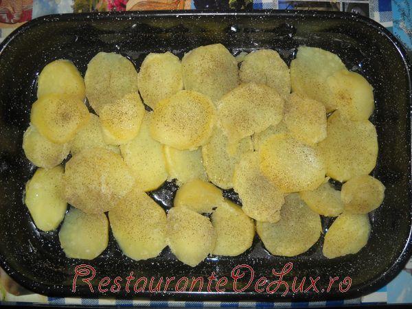 Cartofi cu patrunjel si orez