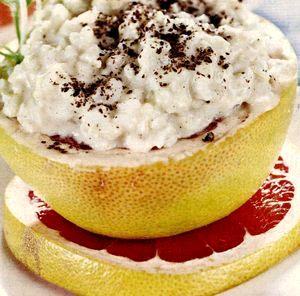 Orez_cu_lapte_in_cupe_de_grepfrut