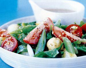Salată de cartofi, fasole şi roşii cu gremolata