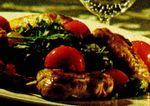 Aripioare de pui cu salată de roşii si rucola