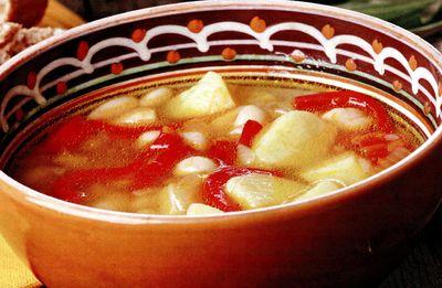 Ciorbă tradiţională de cartofi