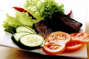 Muschiulet de vita cu legume la cuptor