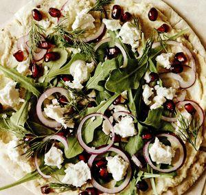 Pizza cu humus pe lipie