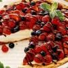 Placinta_cu_fructe_si_brânza