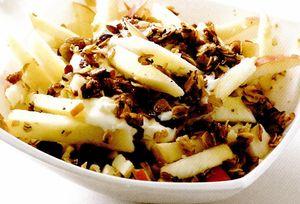 Salata din mere cu nuci