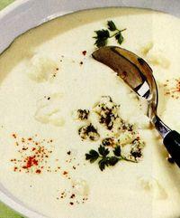 Supă de conopidă cu brânză cu mucegai