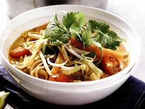 Supa thailandeza de legume cu lapte de cocos